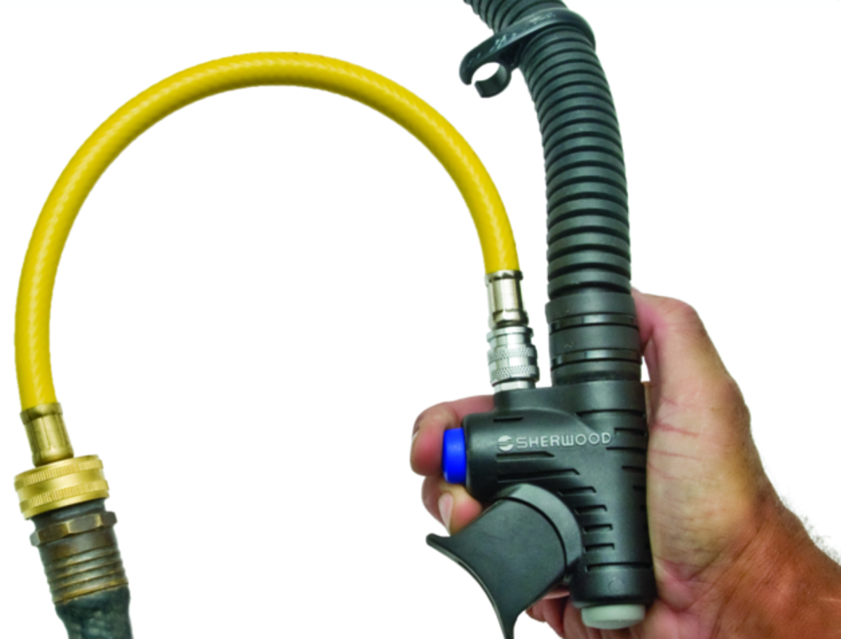 Innovative BC Flush Hose with Inflator Adapter